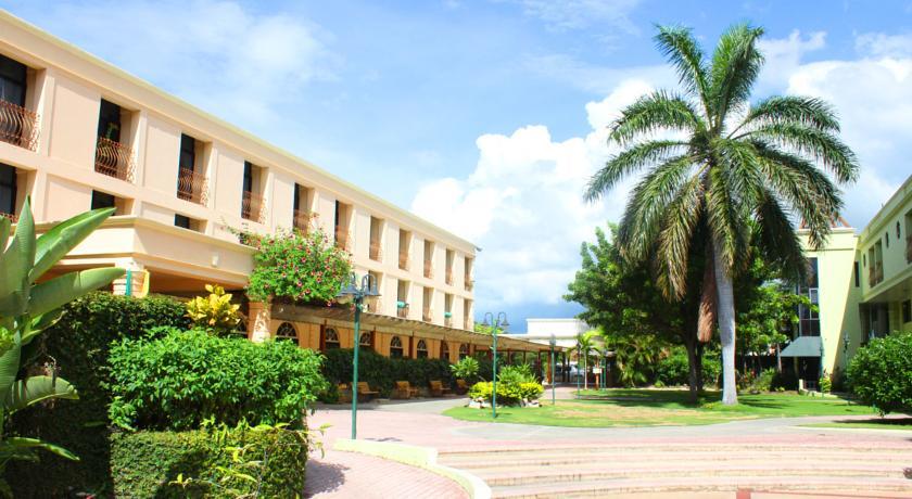 Knutsford Court Hotel